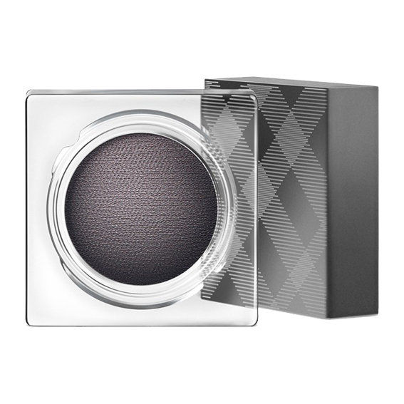 בורברי Beauty Eye Colour Cream in Charcoal ($30; nordstrom.com)