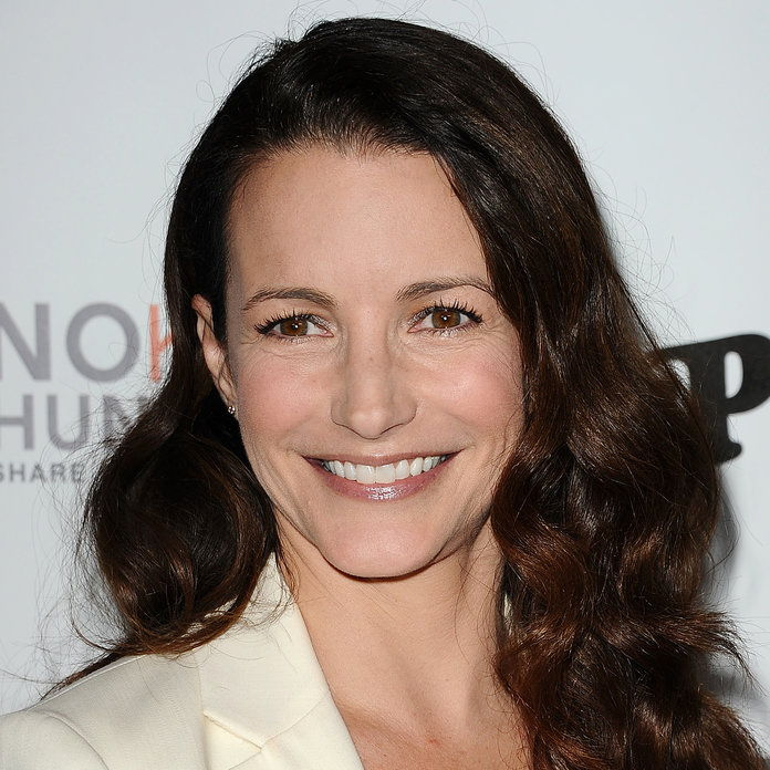שחקנית Kristin Davis attends Share Our Strength's No Kid Hungry dinner at Ron Burkle's Green Acres Estate on October 29, 2013 in Beverly Hills, California.