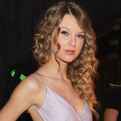 테일러 Swift-prom hair-prom hairstyles