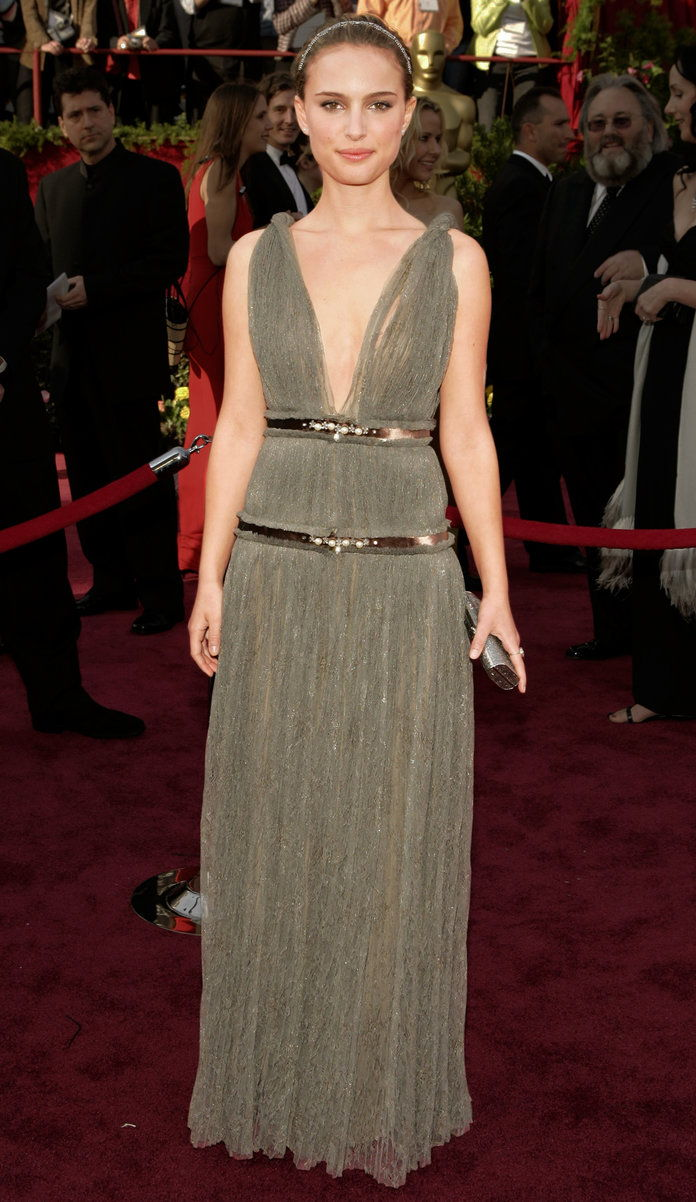 ב Lanvin at the Academy Awards in L.A. (2005)
