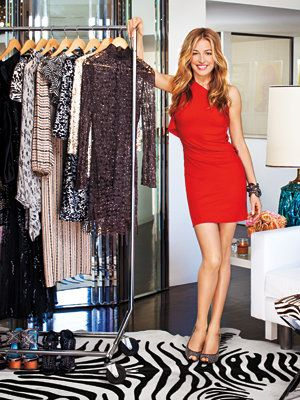 내부 Cat Deeley's Closet - Cat in RM by Roland Mouret