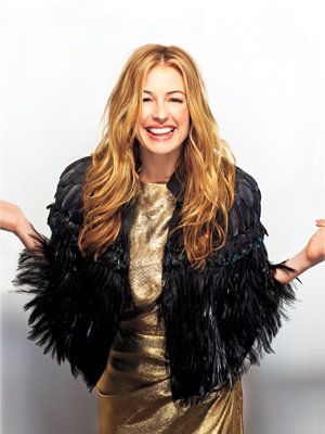 내부 Cat Deeley's Closet: Cat in a Prada Cape