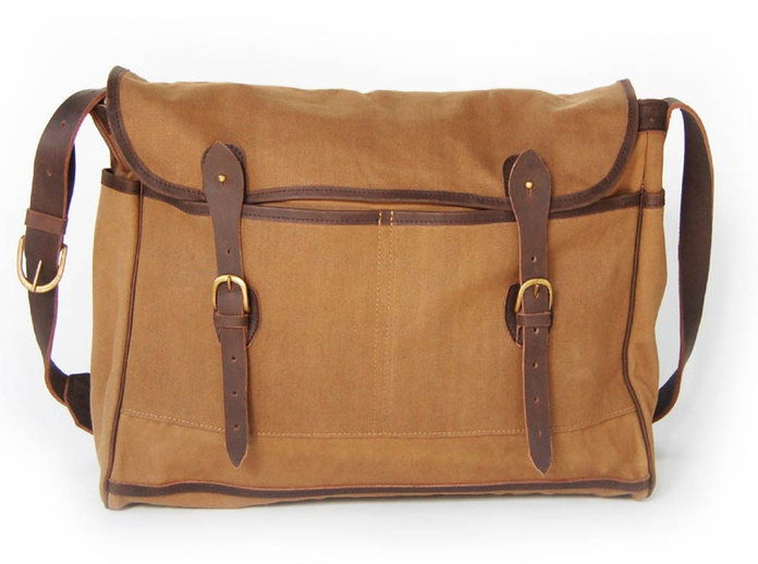冒険 Messenger Bag by artisans in Kenya