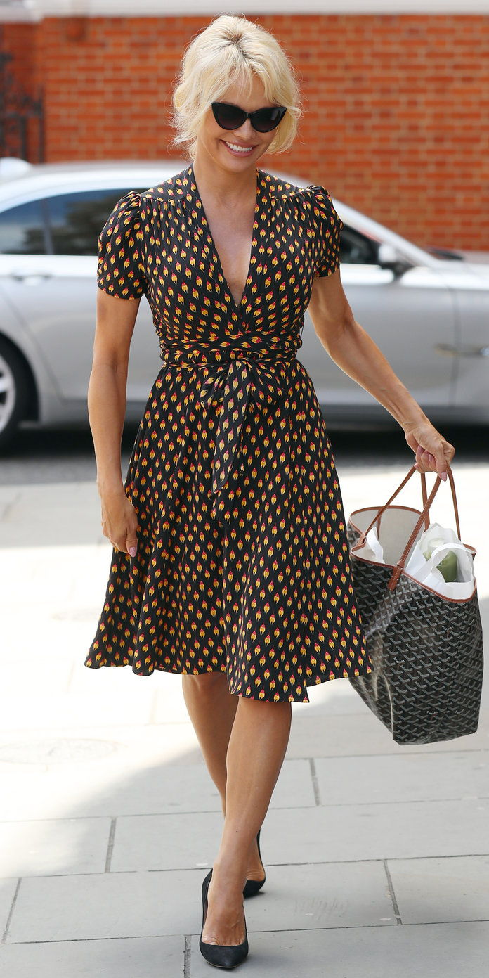 에이 Wrap Dress? On Pamela Anderson? Yes, please.