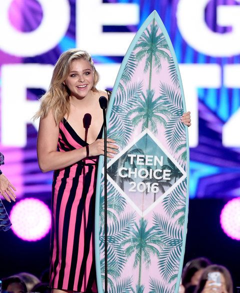 クロエ Grace Moretz Teen Choice Awards - Embed