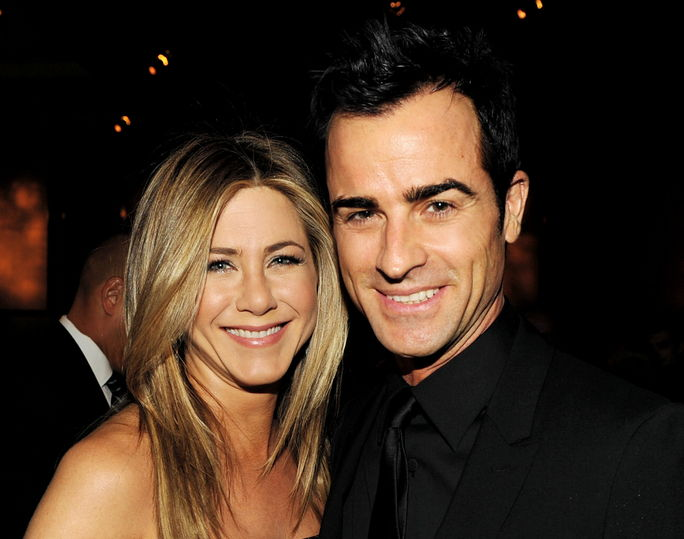 제니퍼 Aniston and Justin Theroux JANUARY 28, 2012