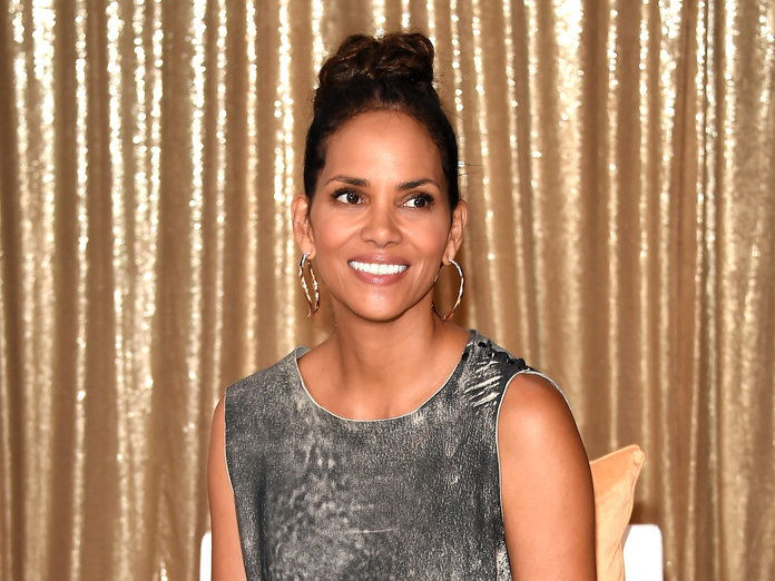 האלי BerryNEW YORK, NY - AUGUST 03: Actress Halle Berry attends the