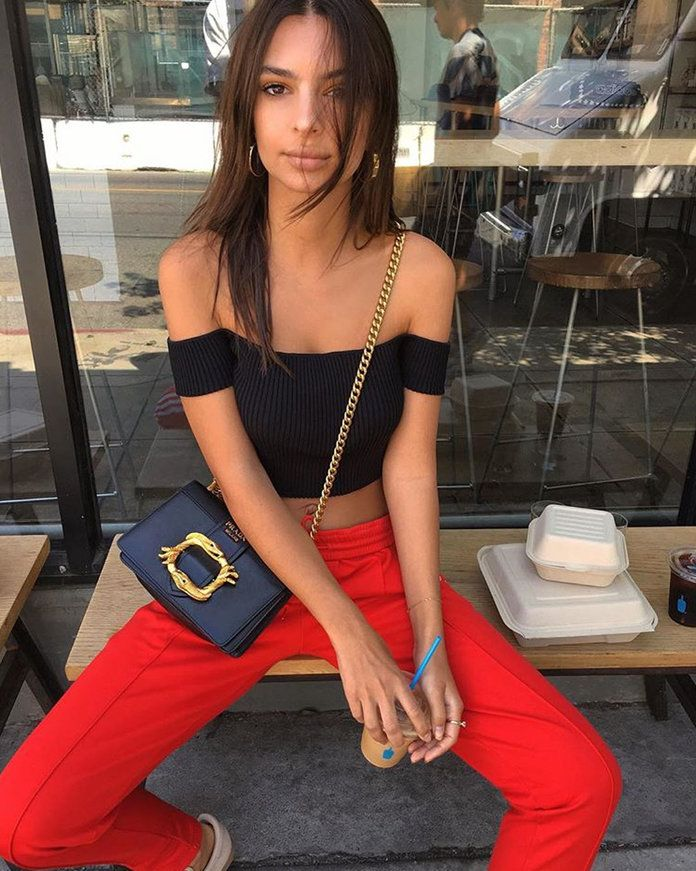 אמילי Ratajkowski Affordable Outfit Meshki Crop top