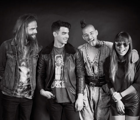 DNCE embed