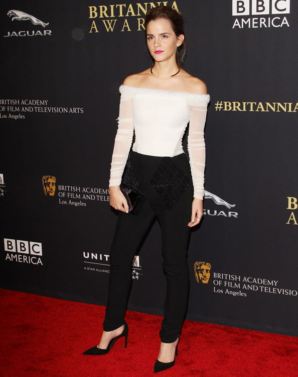 엠마 Watson honored at BAFTA's Britannia Awards