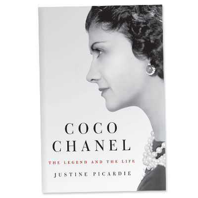 ココ Chanel: The Legend and the Life - Book - ideas for go to gifts - holiday shopping
