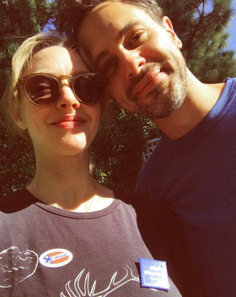 아만다 SEYFRIED AND THOMAS SADOSKI