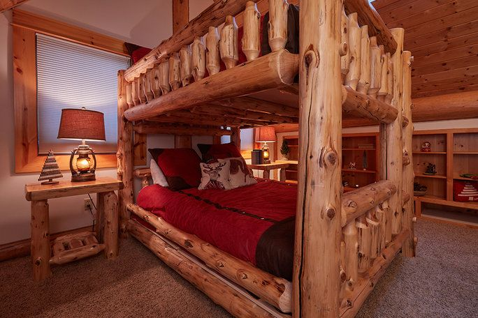居心地の良い bunkbeds make room for visitors.