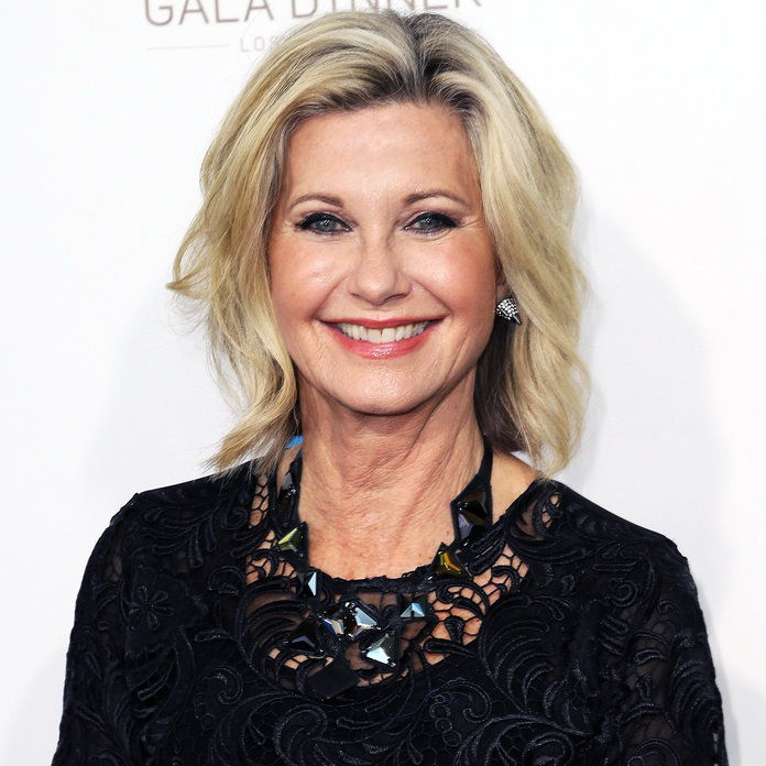 סלבס Who Revealed Health Issues in 2017 - Olivia Newton-John