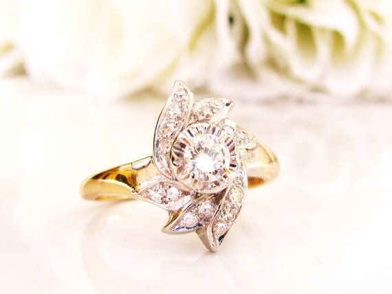 גברת Rose Vintage Jewel Vintage Engagement Ring